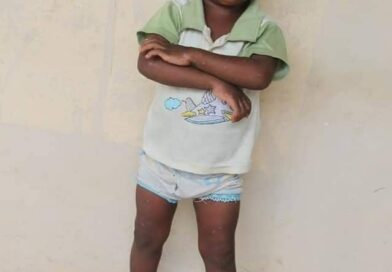 A year and six months stranded child dropped from an SUV in Owerri, gets help from a good Samaritan